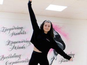 Dance cropped black jumper